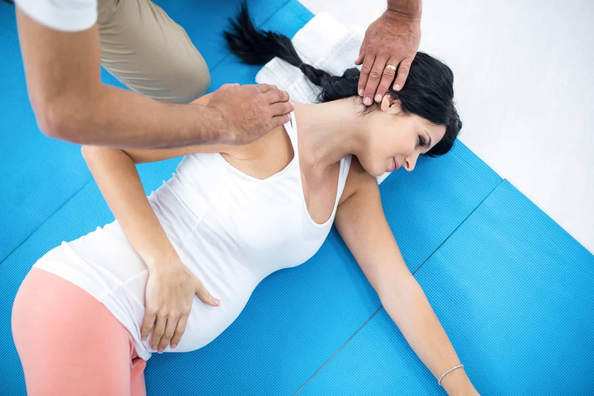 Conheça os benefícios da quiropraxia na gestação