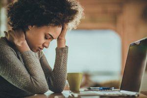 Cefaleia tensional: conheça os sintomas e saiba como tratar