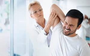 Como o quiropraxista identifica uma subluxação?